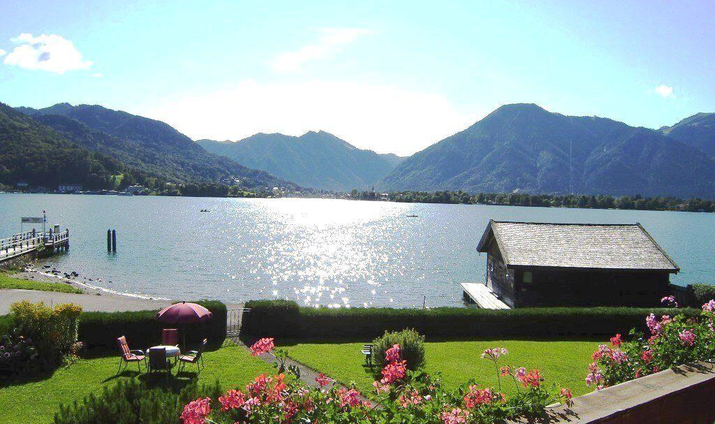 Morgens im Garten von Haus Seeblick in Bad Wiessee am Tegernsee
